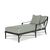 Outdoor Chaises & Daybeds